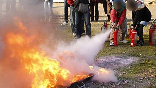火災予防の消火訓練