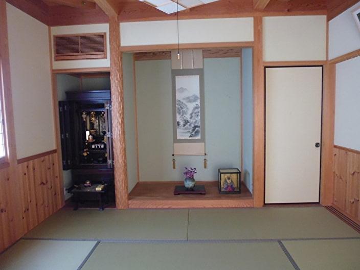 仏壇のある仏間
