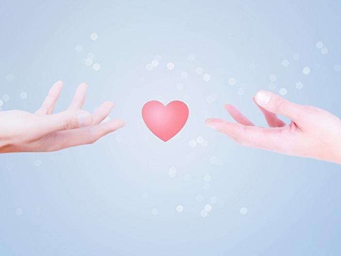 手と手でつながるイメージ